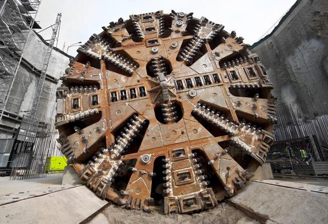 tunnel boring equipement
